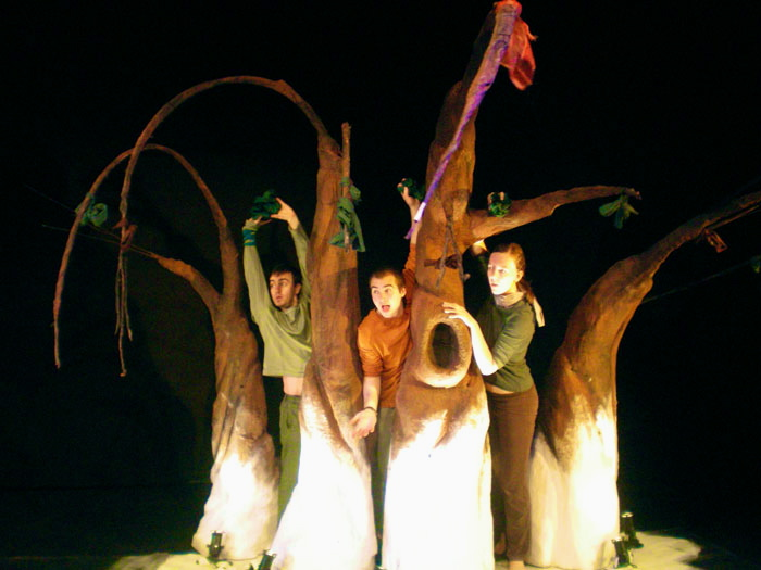 Young people perform in Kindling